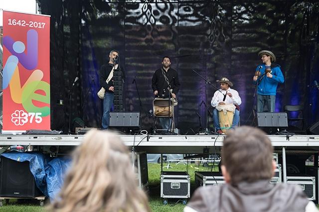 Musique colombienne à la Festi-Pointe