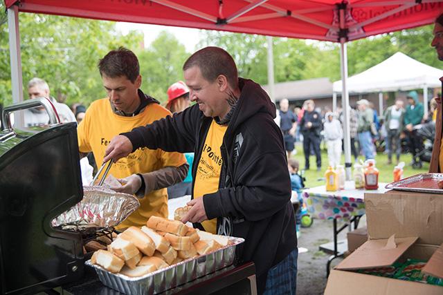 Notre Sylvain, agile aux hot-dogs